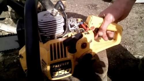 Adjusting the Carburetor Chainsaw Partner 350 Video