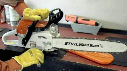 Can I Pour Semi-Synthetic Oil Into a Chainsaw