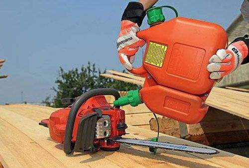 Gasoline Does Not Receive Into The Cylinder Of A Chainsaw