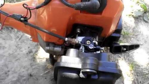How to Adjust a Carburetor On a Huter Trimmer