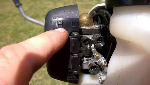 How to Adjust a Lawnmower Carburetor
