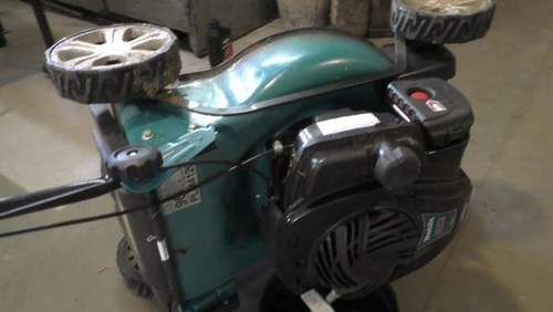 How to Change Oil in a Makita Lawn Mower