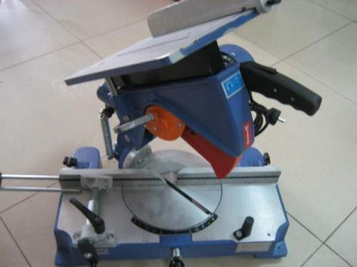 How to Choose an Inexpensive Miter Saw