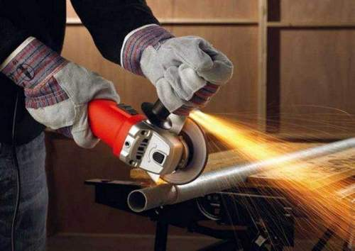 How to Disassemble a Mechanical Angle Grinder