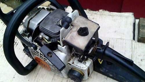 Insert Piston Into Stihl 180 Cylinder