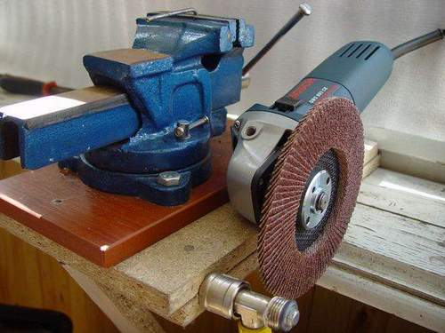 Makita Cordless Angle Grinder with Speed Control