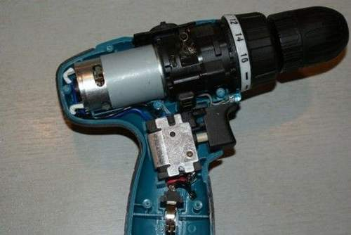 The screwdriver does not spin under load