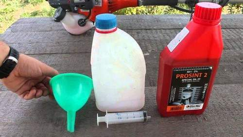 Which Oil Is Best Poured Into A Stihl Lawnmower