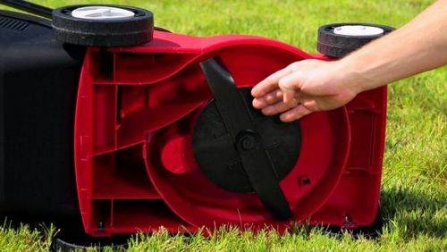 Which Gasoline Is Poured into a Lawnmower Standard