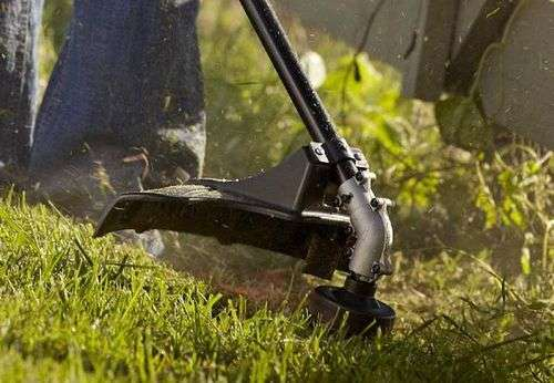 How To Tuck The Line Into The Trimmer
