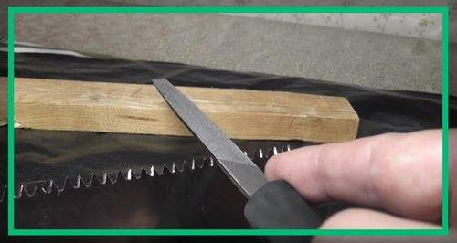 How To Sharpen A Hand Saw On Wood