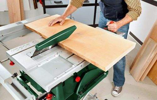 Working With A Circular Saw On Wood