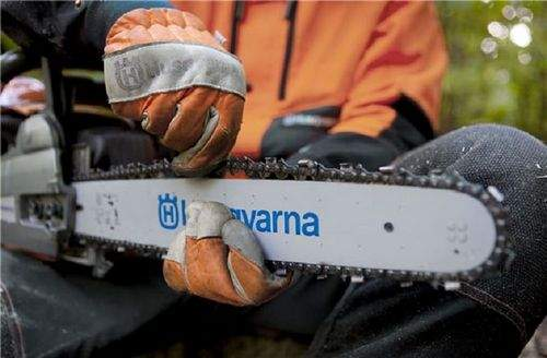 Installing A Chain On A Chainsaw